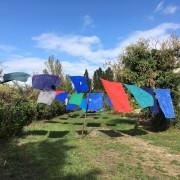 Héritage #1- 2019 Installation - corde, bleus de travail - 10 m x 30 m  x 5 m